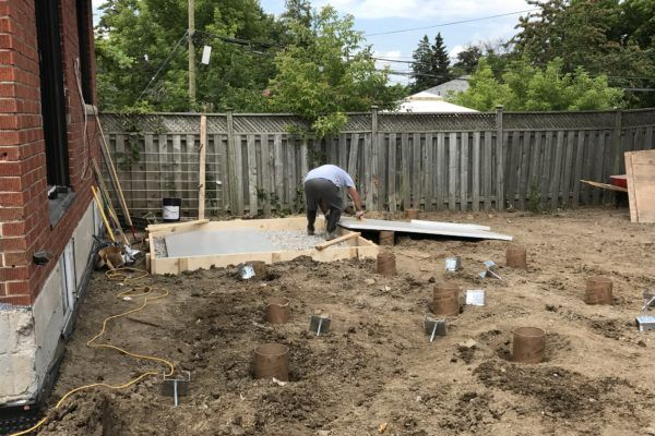 concrete hot tub pad: frame and pour